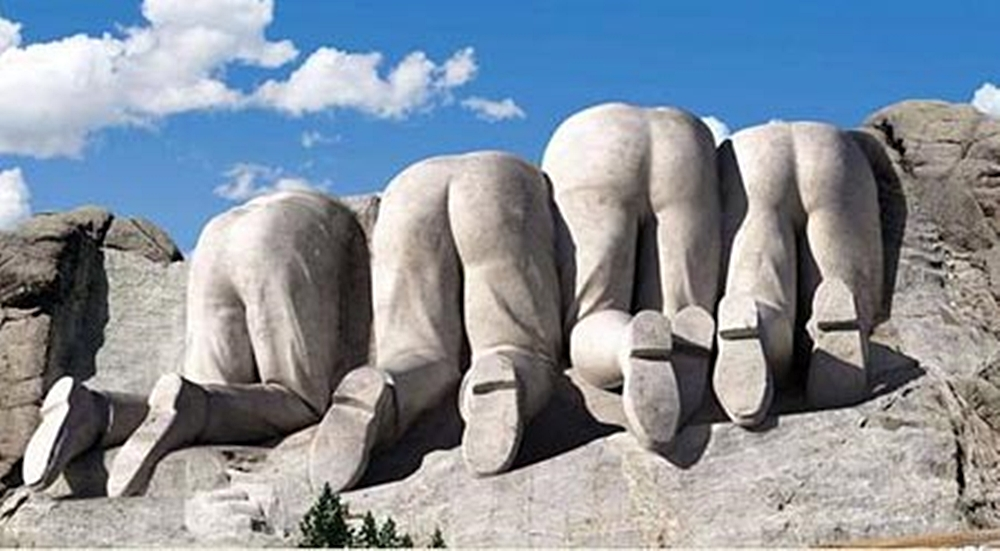 mount-rushmore-rear